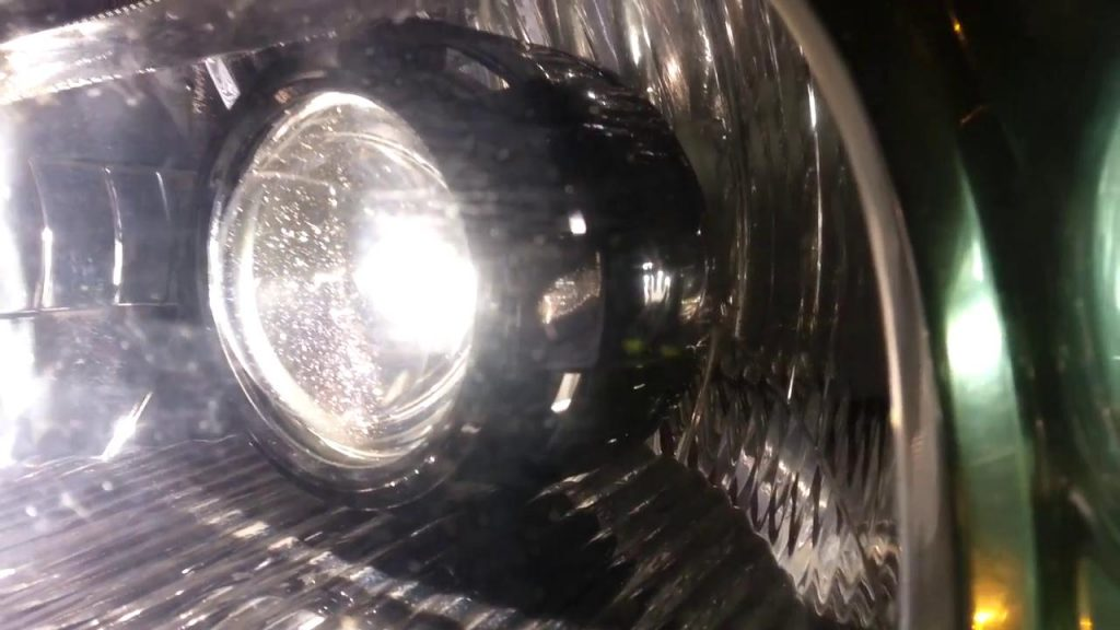 Honda Civic Retrofitting Bi Xenon Projector Lens